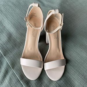 0c29256623e43 Shoe Dazzle Shoes | White Ankle Strap Block Heels | Poshmark